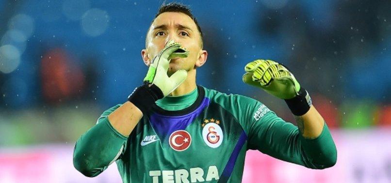 Olay yorum! Galatasaraylı oyuncular Muslera'ya yaslandılar