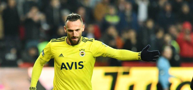 Fenerbahçe'de sol bek harekatı! Vedat Muriqi devrede...