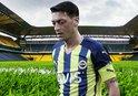 F.Bahçe'de Mesut Özil'e çifte kanca!