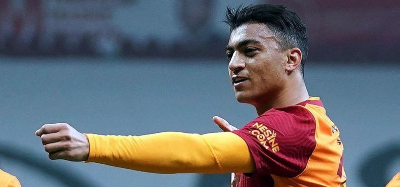 Son dakika spor haberleri: Galatasaray'da Mostafa Mohamed tutulamıyor! Radamel Falcao'yu kulübeye hapsetti