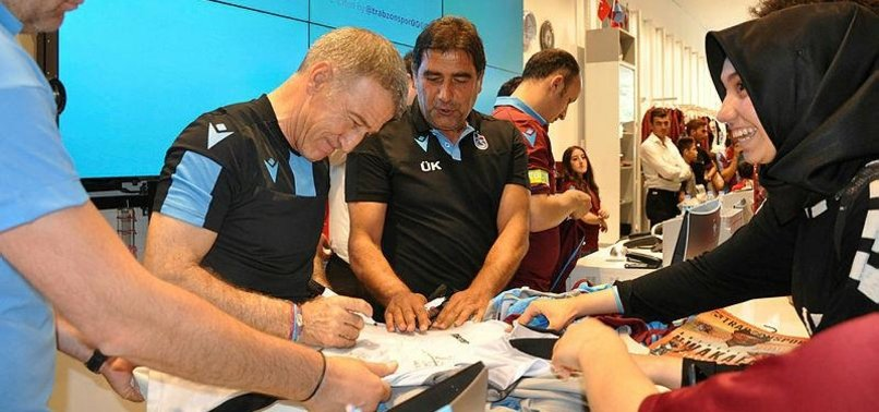 Ahmet Ağaoğlu'na futbolculardan sürpriz