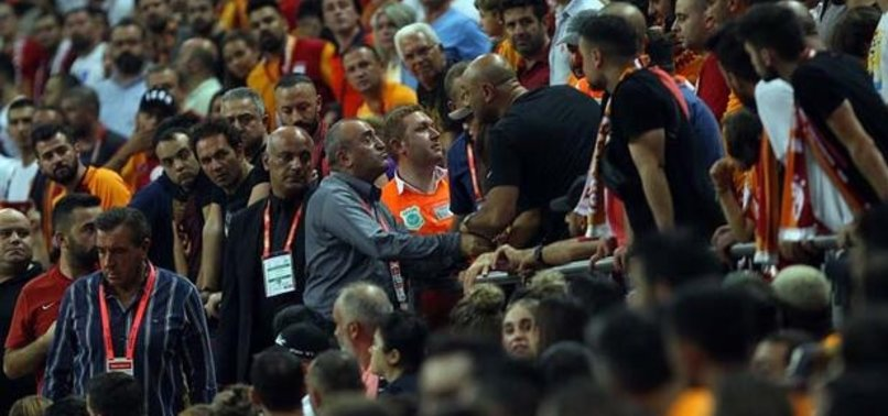 Galatasaray'da büyük gerilim! Abdurrahim Albayrak ve taraftarlar...
