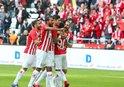 Antalyaspor 3 puanı 3 golle aldı