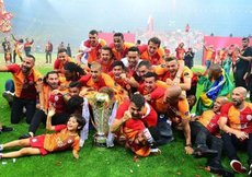 Galatasaray tribünde de rakiplerini geçti