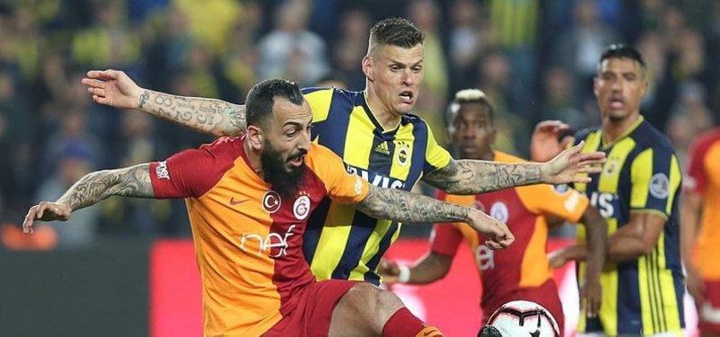 Fenerbahçe - Galatasaray derbisi sosyal medyada sürüyor! İşte yapılan paylaşımlar