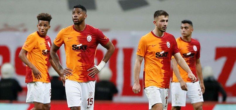 Galatasaray'da veda eden isimleri açıkladı!