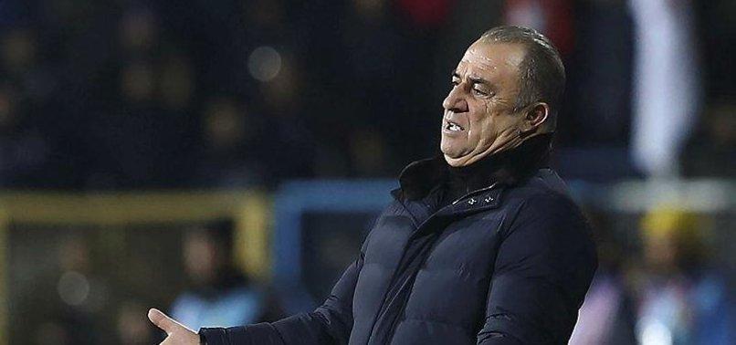 Fatih Terim'den futbolculara sert uyarı