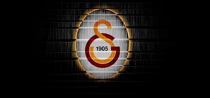 Galatasaray Jimmy Durmaz ve Şener Özbayraklıyı açıkladı