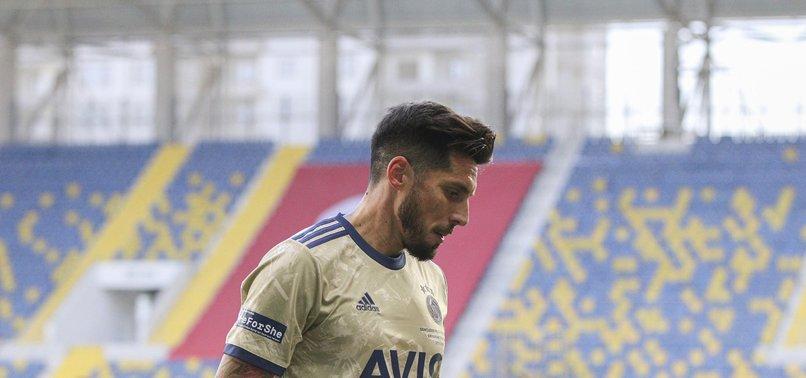 Fenerbahçe'de Sosa şoku! Takımdan ayrılıyor mu?