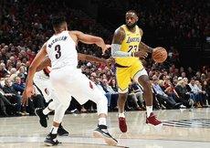 LeBron Jamesli Lakers kötü başladı