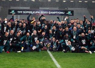 Trabzonspor'un Süper Kupa zaferi yerel basında coşkuyla karşılandı! Kupaların efendisi