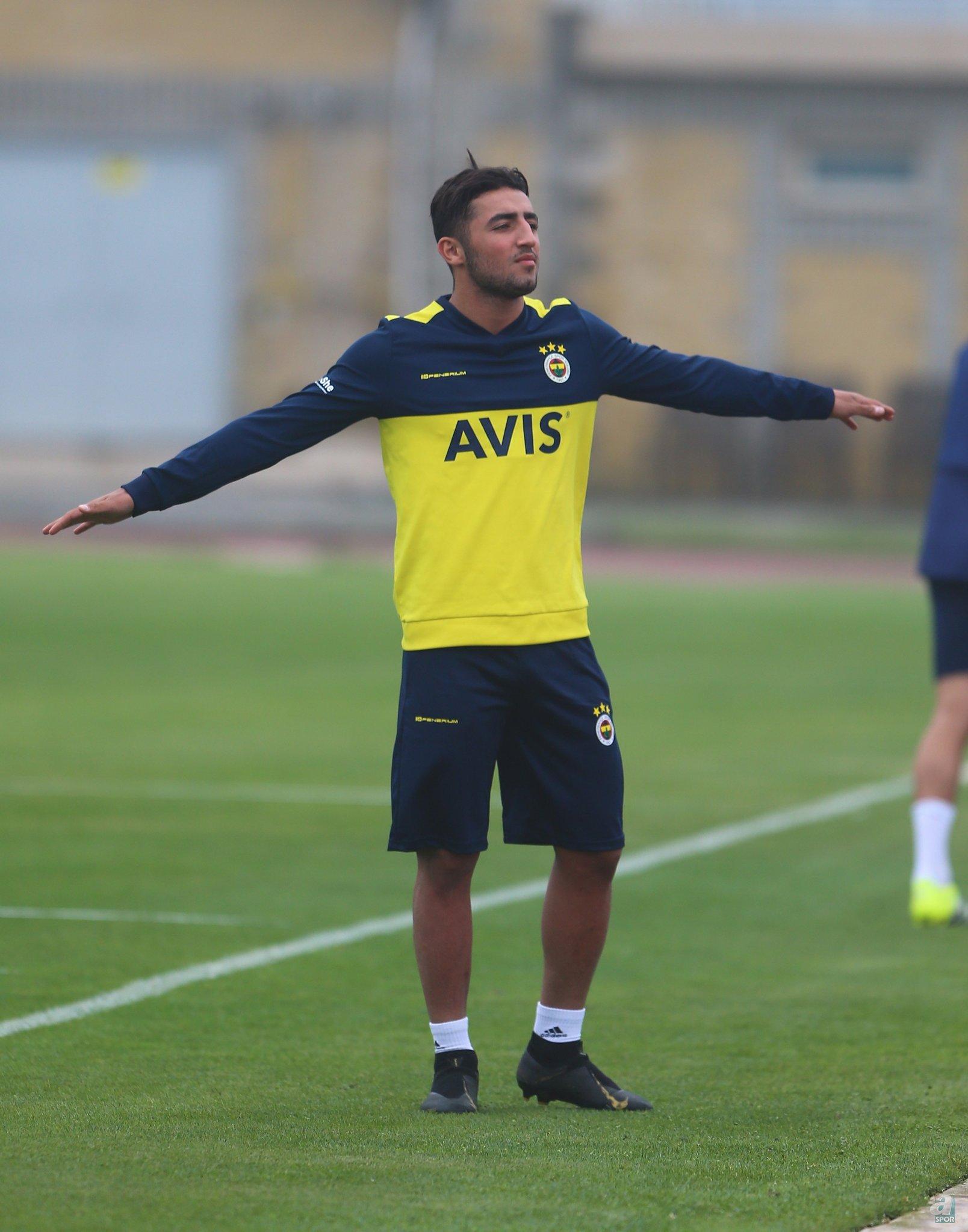 Sarı-lacivertlilerin Zorya'ya kiraladığı İranlı oyuncunun satın alma opsiyonu ise 3.5 milyon euro...