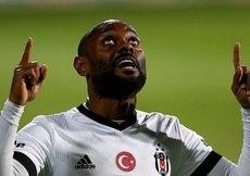 Flamengo eski golcüsü Vagner Loveı istiyor