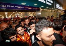 Emre Akbaba İstanbulda! İşte ilk görüntüler...