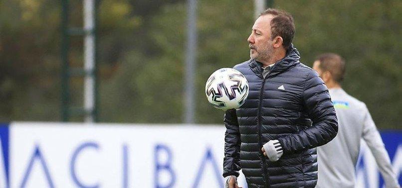 Beşiktaş'ta Sergen Yalçın'ı düşündüren konu! Sadece Gökhan Töre kaldı