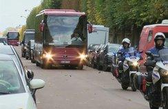 Millilerimiz yoğun güvenlik önlemleri altında Paris'te