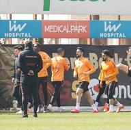 Galatasarayın Bursaspor kafilesi belli oldu! İki yıldız kadroda yok