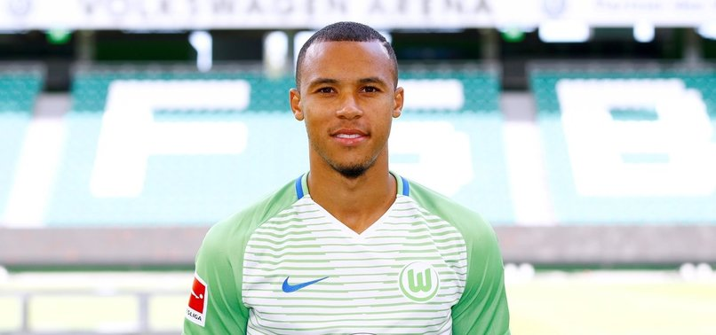 Wolfsburg Tisserand transferini duyurdu. Sözleşme 3+1 yıllık