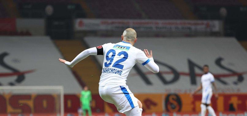 """Son dakika Galatasaray spor haberi: Usta isimler canlı yayında Yedlin'in pozisyonunu değerlendirdi! """"Futbol sahtekarlığı..."""""""